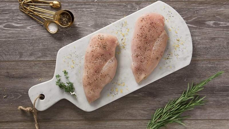 [Góc giải đáp] Sau khi phun môi kiêng thịt gà bao lâu?